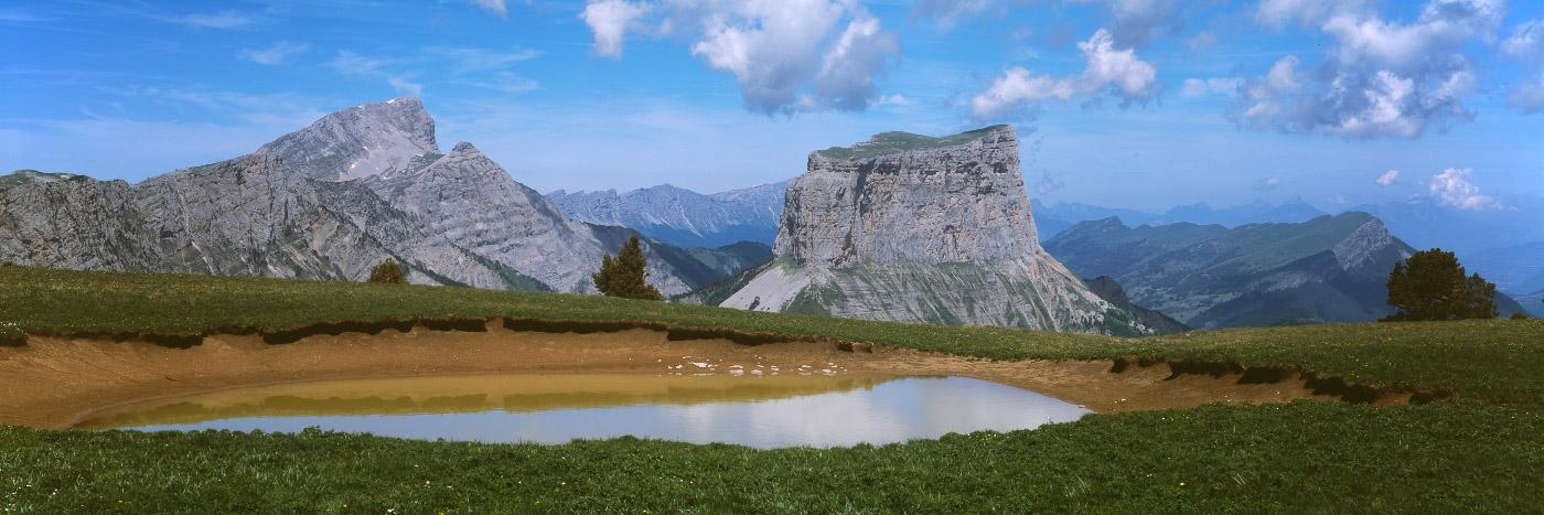 Mont Aiguille vu de Tête Chevalière, Réserve Naturelle du ...