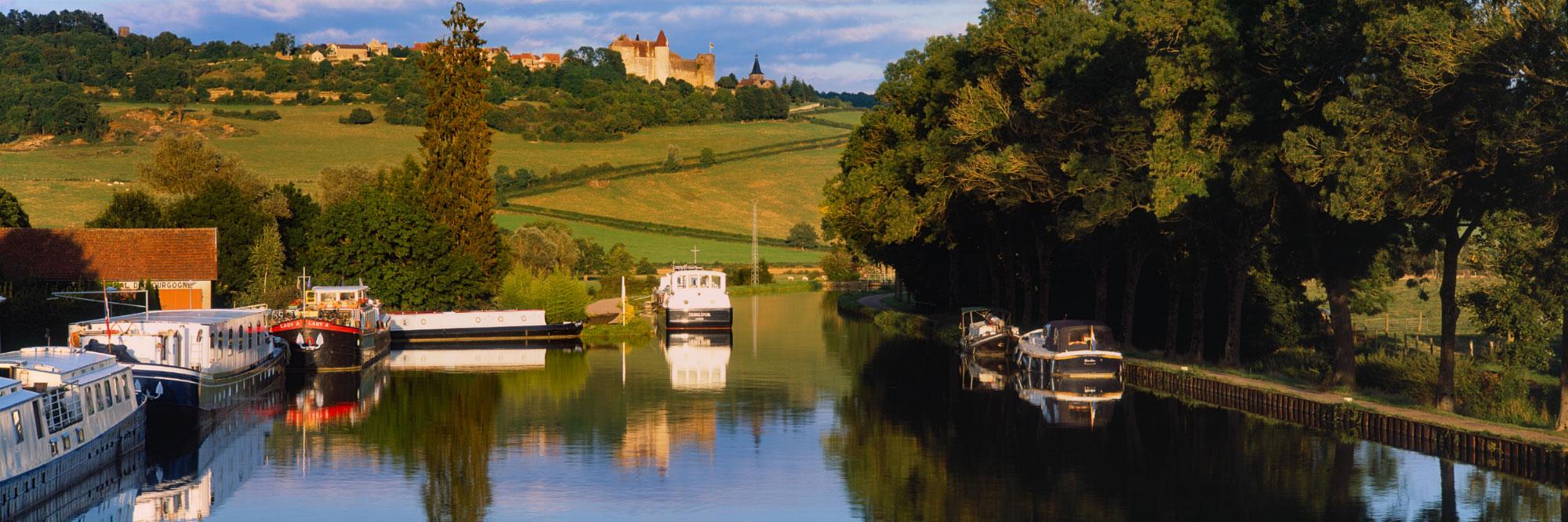 Canal de Bourgogne, près de Châteauneuf-en-Auxois