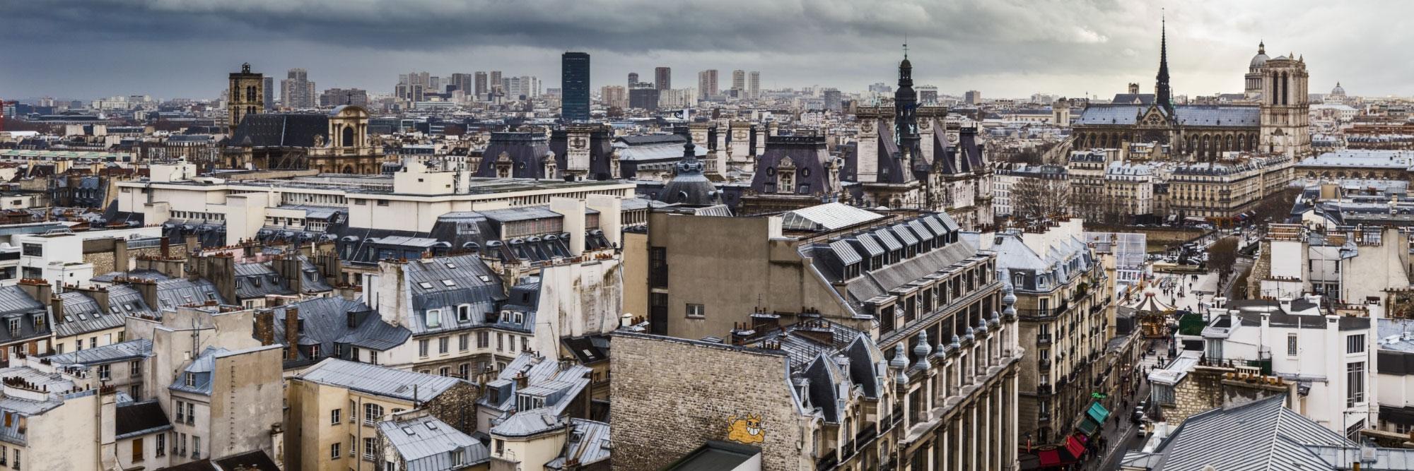 Vue sud des toits de beaubourg paris herve sentucq for Appartement sur les toits paris