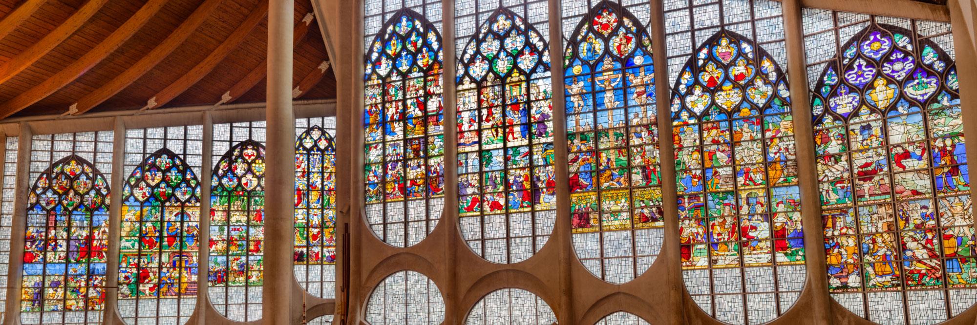 Vitraux de l'église Jeanne d'Arc, Rouen