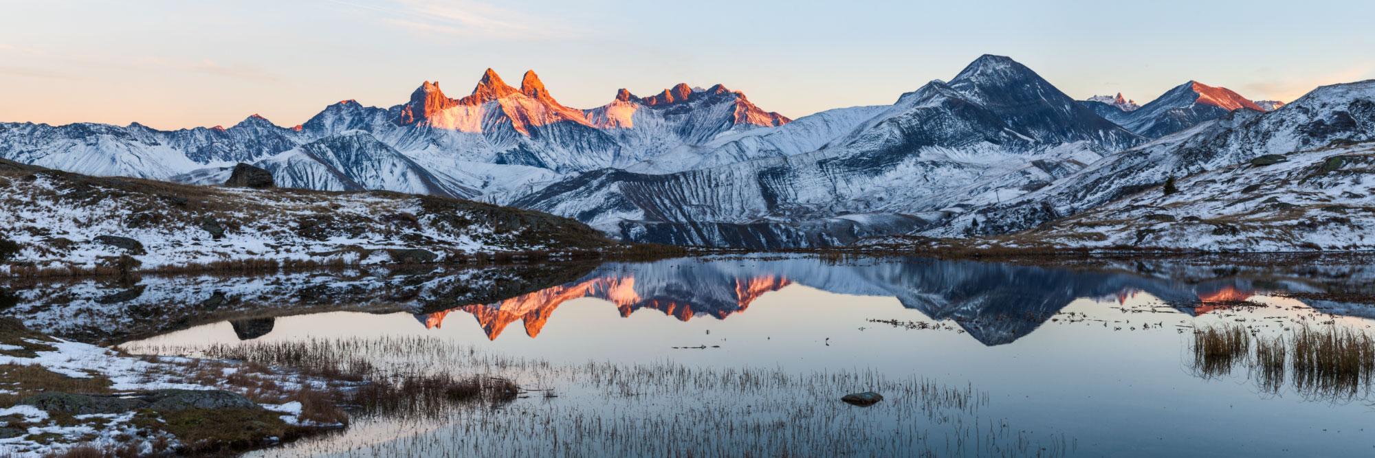 Aiguilles d'Arves et lac Guichard, Col de la Croix de Fer, Grandes Rousses