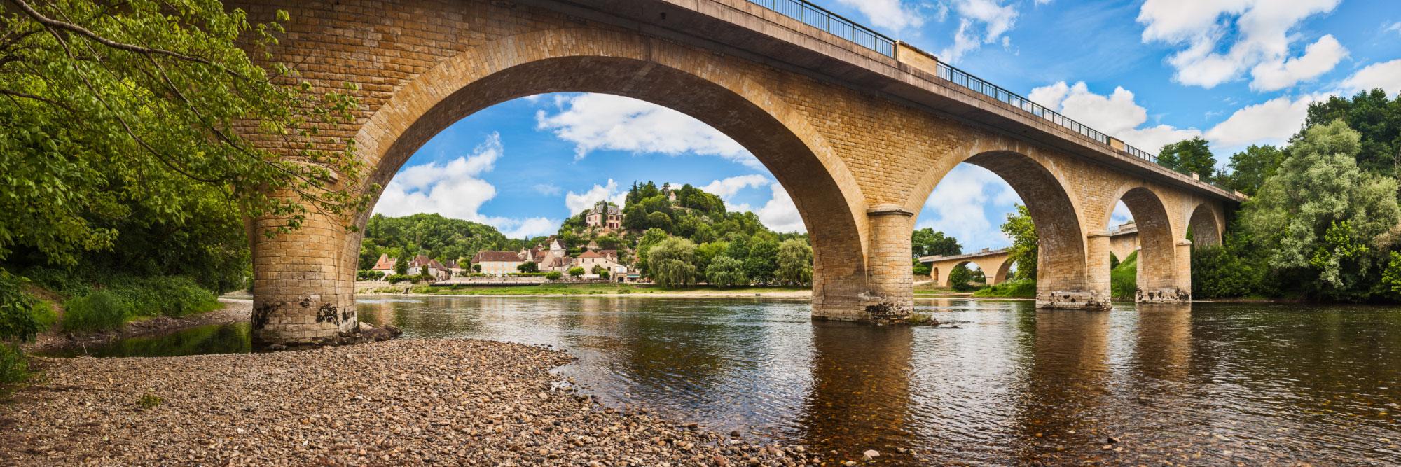 Limeuil et ses deux ponts (sur la Dordogne et la Vézère)