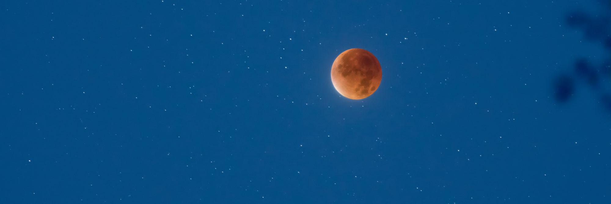 Super lune rouge (éclipse totale de lune)