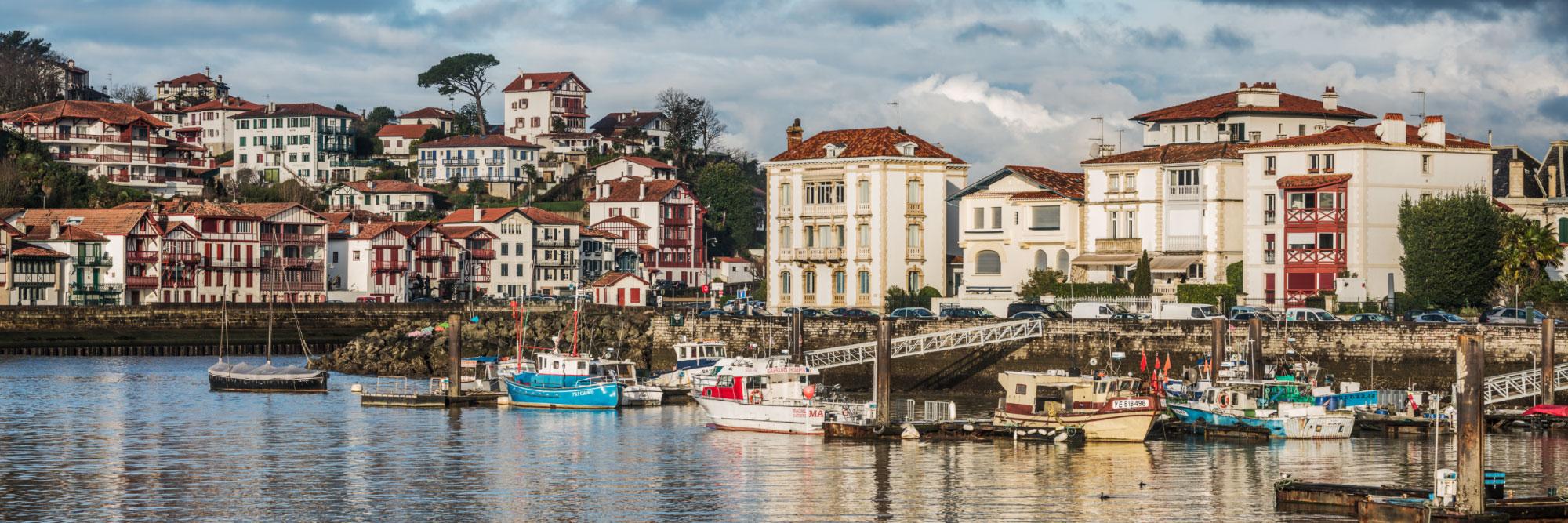 Ciboure (à gauche) face à Saint-Jean-de-Luz, côte basque