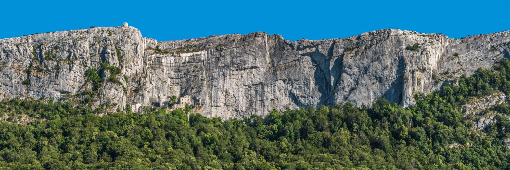 Falaise de la Sainte-Baume, grotte de la Madeleine et chapelle de Saint-Pilon