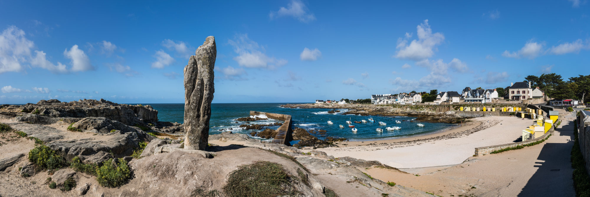 Menhir, plage de Batz-sur-Mer, presqu'île du Croisic