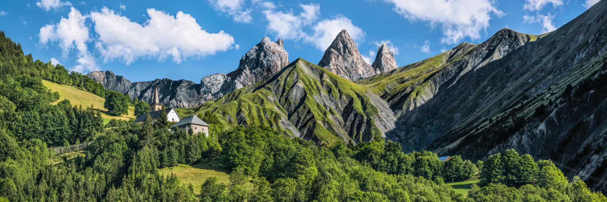 Eglise de Montrond sous les Aiguilles d'Arves (Maurienne)