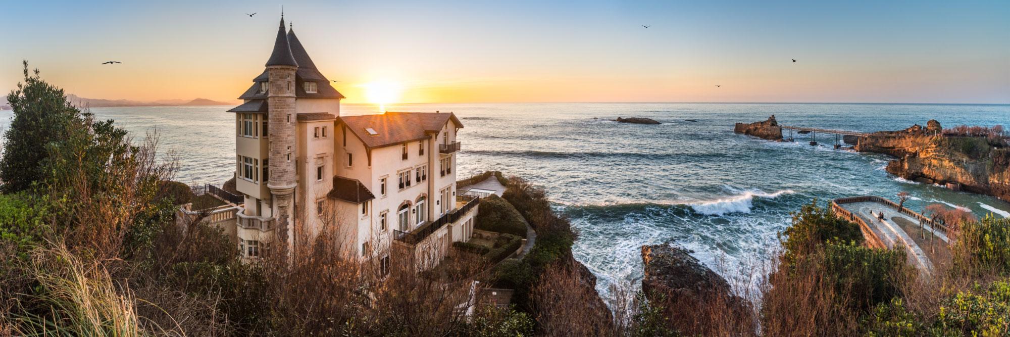La Villa Belza et le Rocher de la Vierge, Biarritz, Pays-Basque