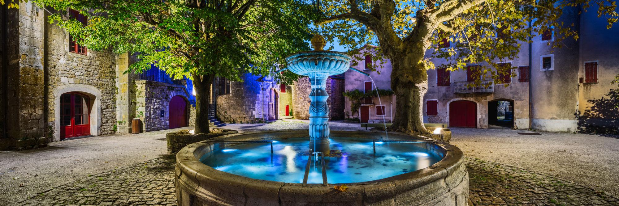 Fontaine, village templier de Saint-Eulalie de Cernon, Causse du Larzac