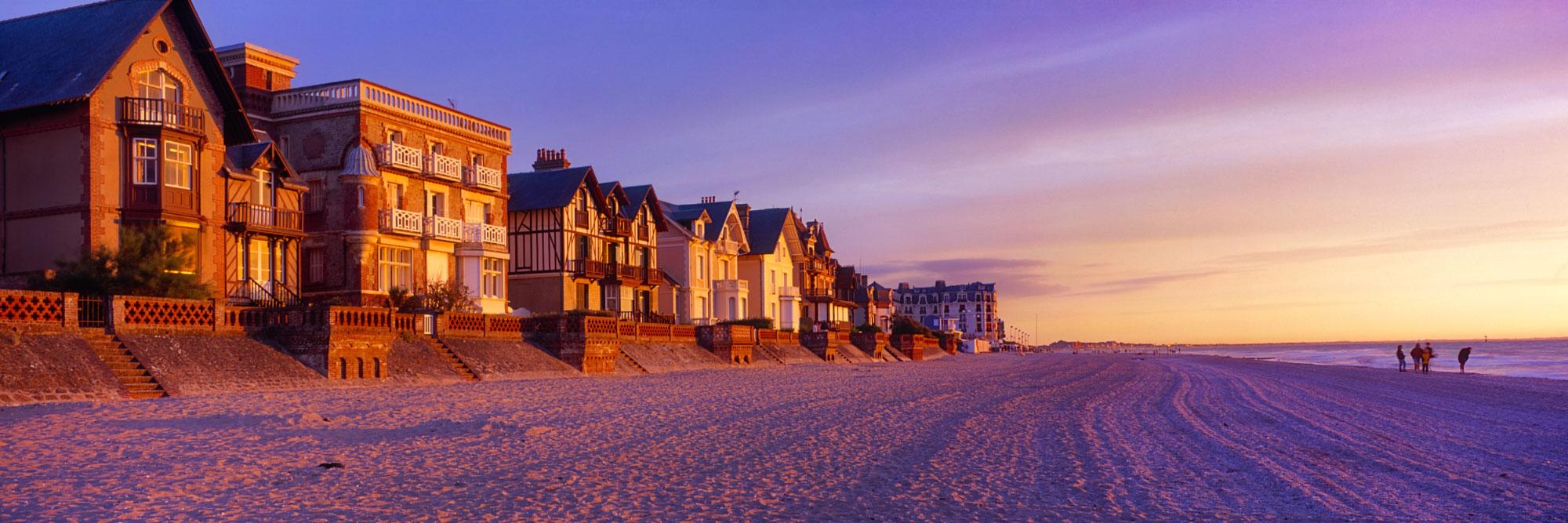 Villas 'fin de siècle', plage d'Houlgate, Côte fleurie