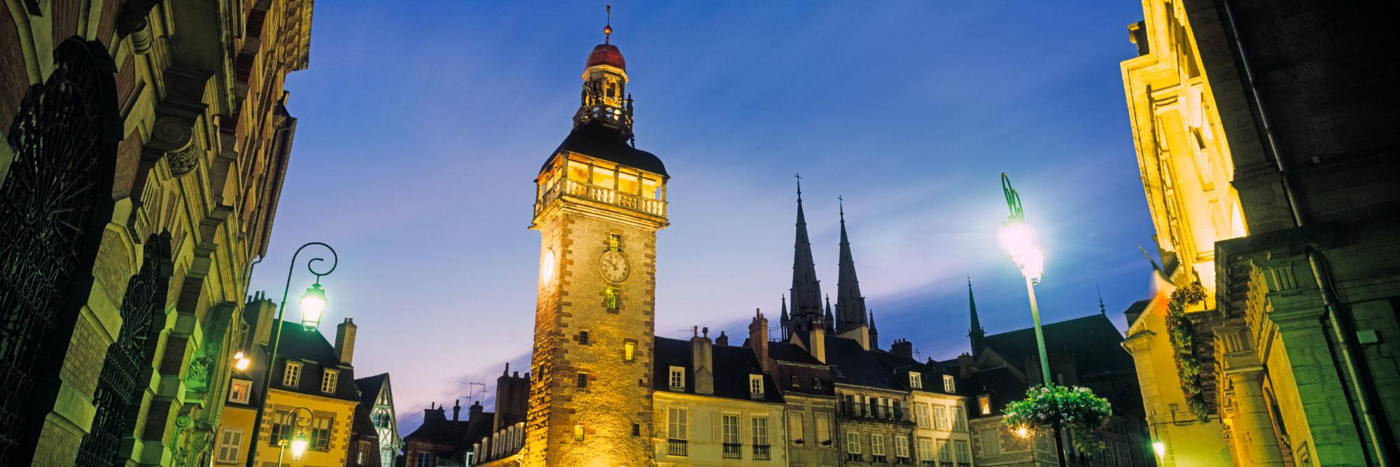 Place, beffroi de Jacquemart, Moulins