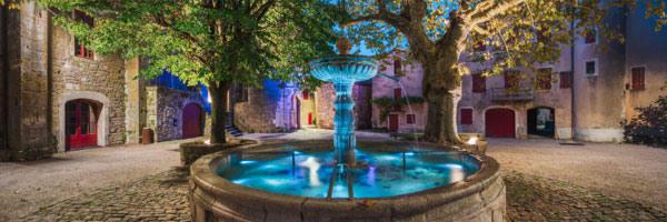 Fontaine, village templier de Saint-Eulalie de Cernon, Causse du Larzac (Aveyron), Octobre 2020